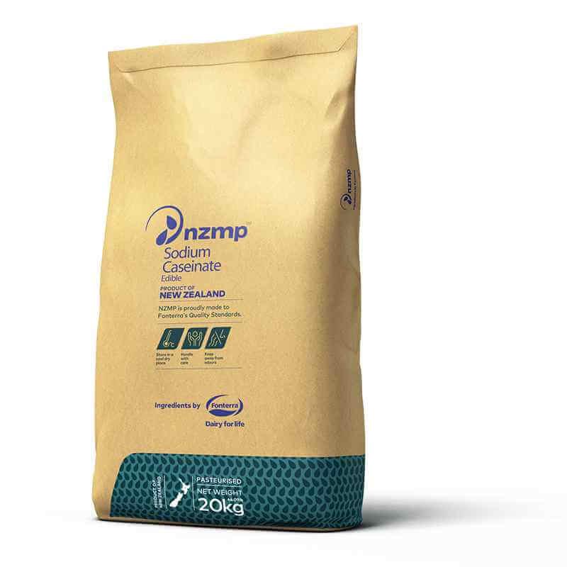 Sodium Caseinate được nhập khẩu từ Úc, New Zealand. Ứng dụng chính: Ứng dụng đa dạng trong ngành thực phẩm để tăng lượng đạm, chất nhũ hóa, chất làm đặc trong chế biến sữa chua, có vai trò giữ nước trong chế biến thực phẩm