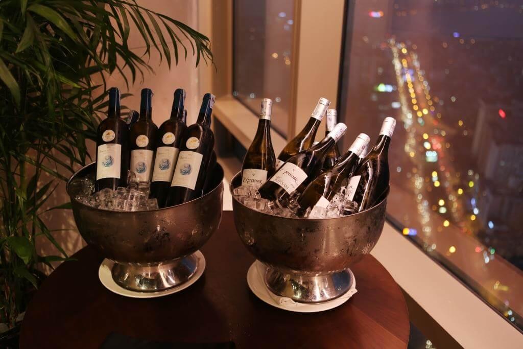 Bữa tối thịnh soạn cùng rượu vang Tursan và David Thái