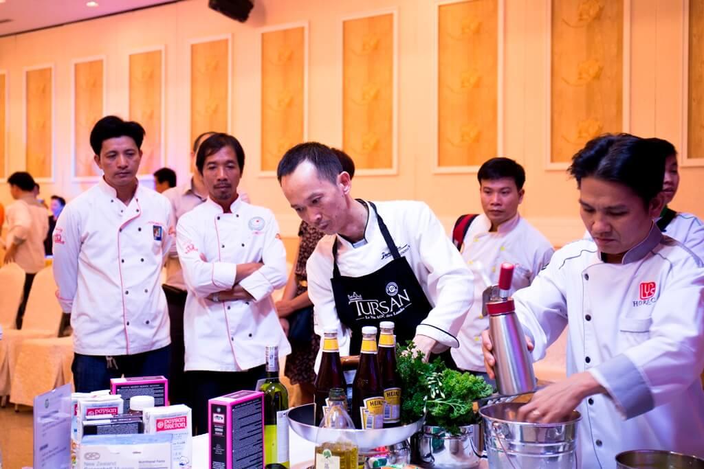 Siêu đầu bếp David Thái giao lưu cùng các bếp trưởng tại Đồng Nai