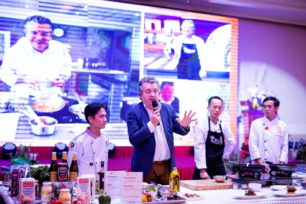 David Thai and Đồng Nai Chefs