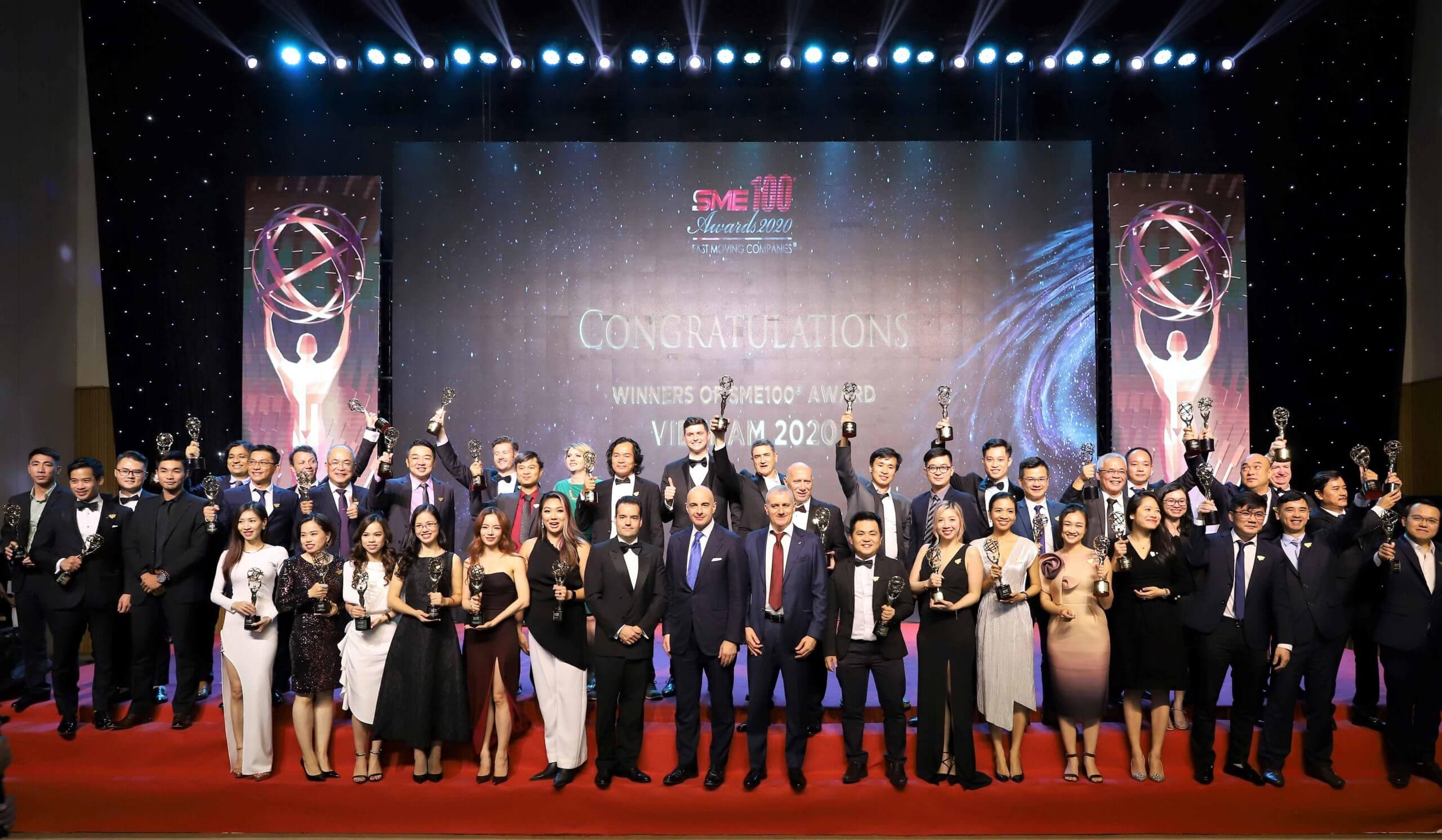 Group-Photo-2-SME100-Awards-resize